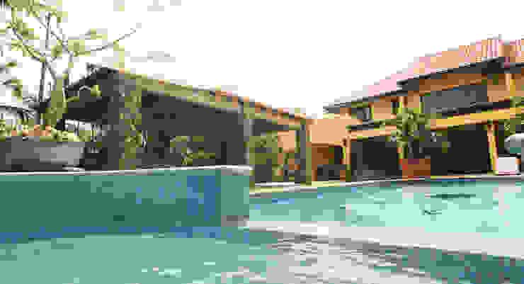 jacuzzi Tropische zwembaden van architectenbureau Aerlant Cloin BNA Tropisch