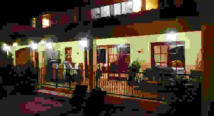 porch Tropische balkons, veranda's en terrassen van architectenbureau Aerlant Cloin BNA Tropisch