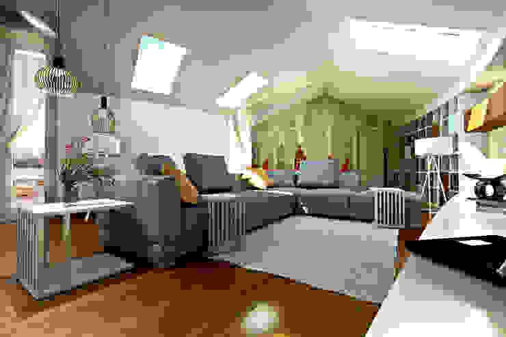 Salas de estar modernas por Studio di Architettura Tundo Moderno