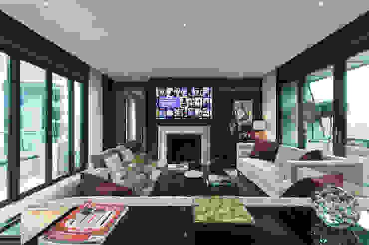 Living space with moving TV. London Residential AV Solutions Ltd Salones de estilo moderno