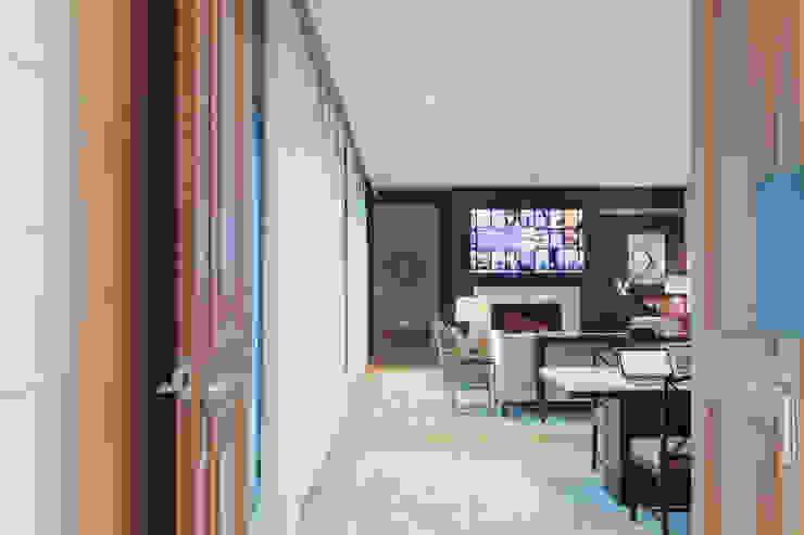 Chelsea Apartment London Residential AV Solutions Ltd Salones de estilo moderno