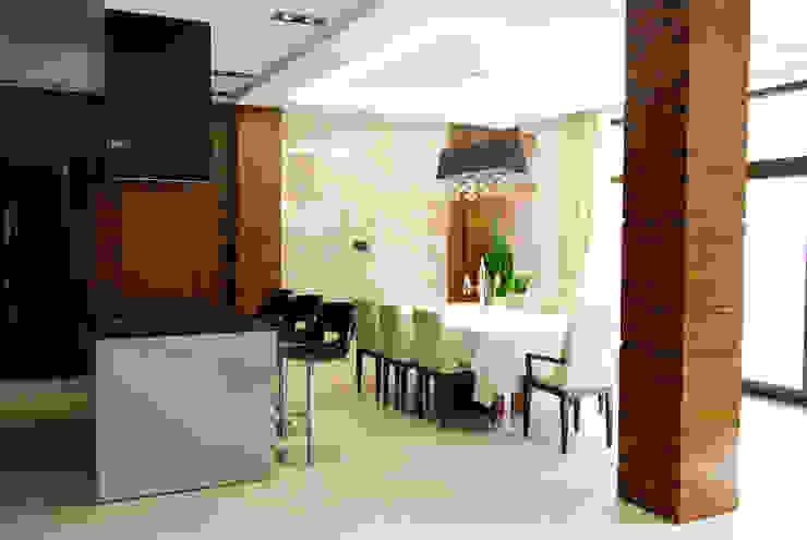 Salle à manger de style  par Армен Мелконян,