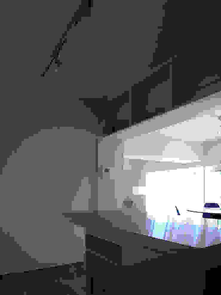 緑丘住宅リノベーション モダンな キッチン の 村松英和デザイン モダン