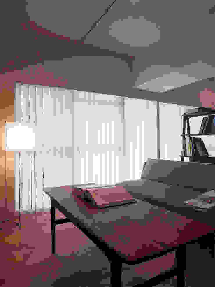 緑丘住宅リノベーション モダンデザインの リビング の 村松英和デザイン モダン