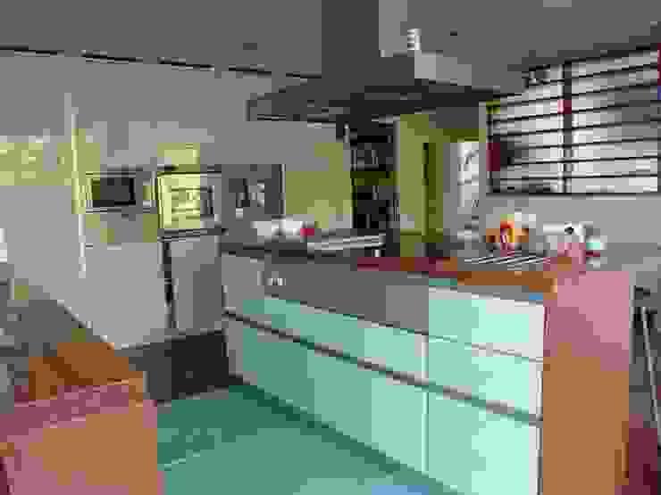 Cucina eclettica di Karst, Lda Eclettico