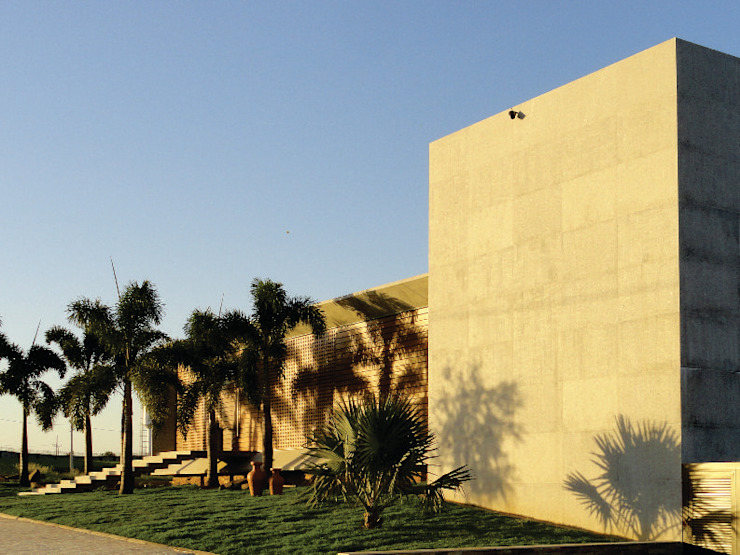 Moderne Häuser von Mascarenhas Arquitetos Associados Modern Beton