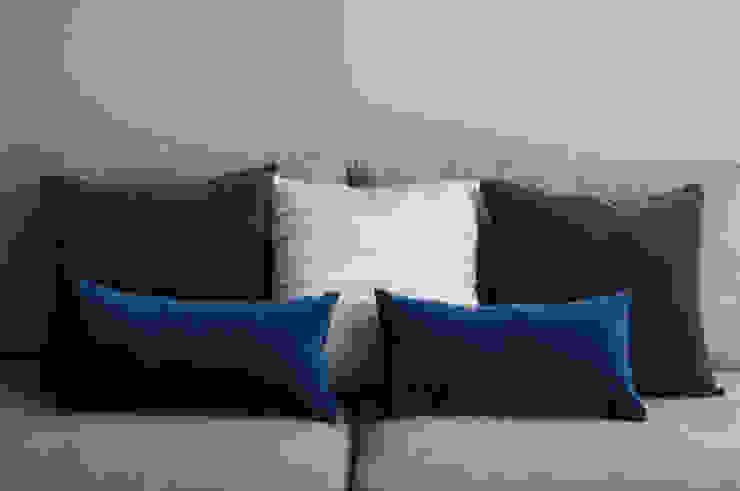 Cojines personalizados con olor | High Park de Herminia Mor Moderno Textil Ámbar/Dorado