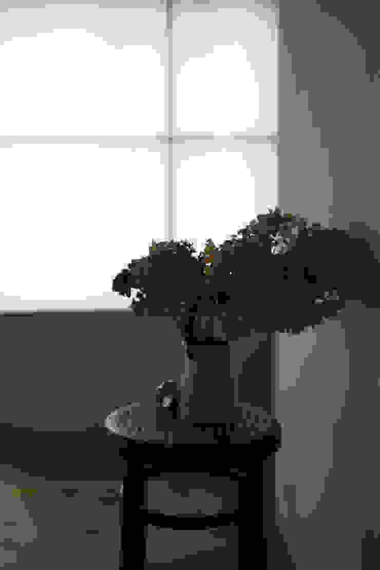 西ノ京のアトリエ オリジナルスタイルの 玄関&廊下&階段 の 村松英和デザイン オリジナル