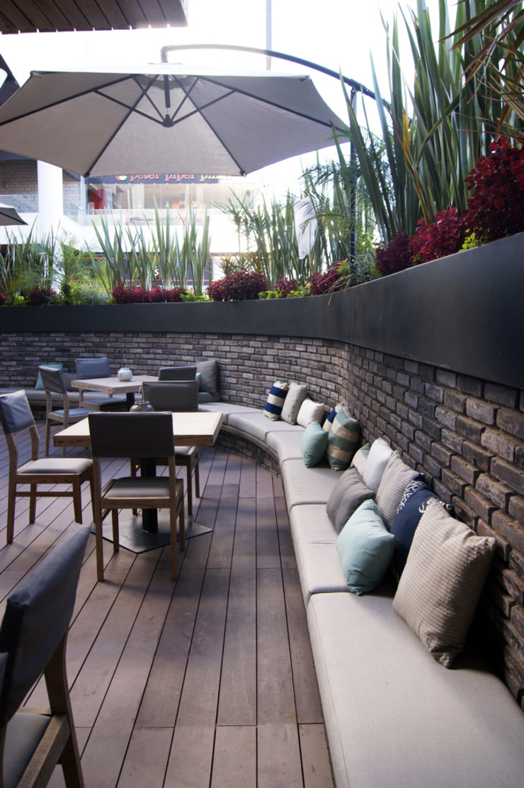 Cojines personalizados con olor | Restaurante Terracosta de Herminia Mor Moderno