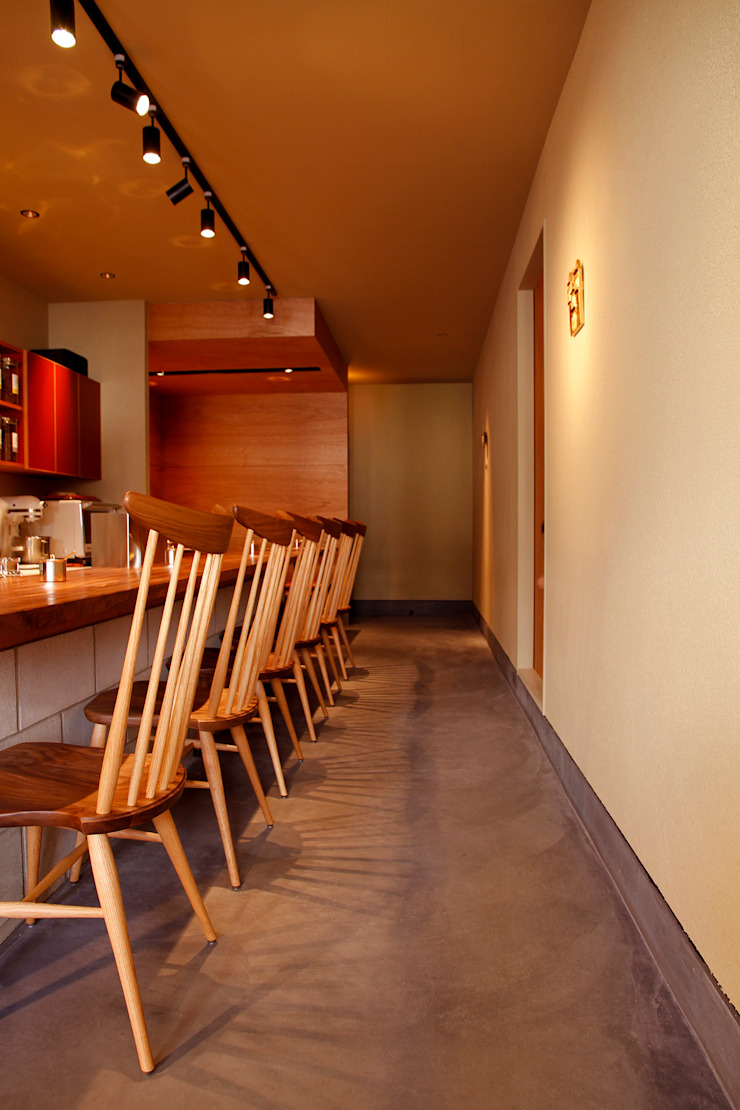 cafe de corazon (カフェデコラソン) オリジナルな商業空間 の 村松英和デザイン オリジナル
