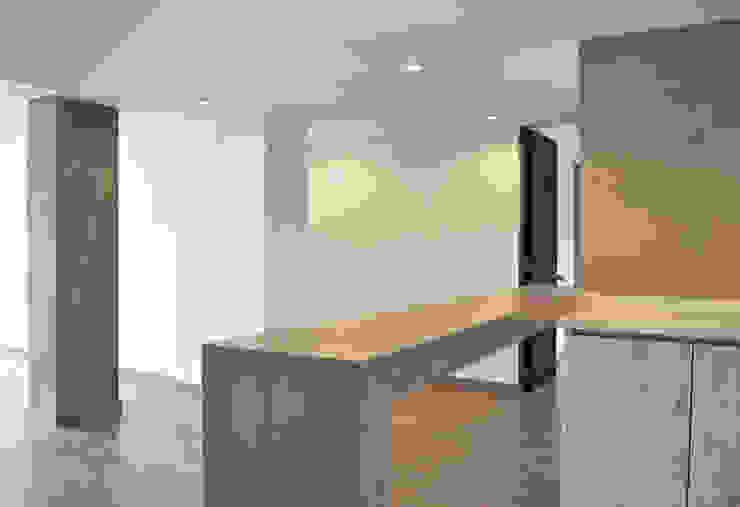 APARTAMENTO 104: Comedores de estilo  por santiago dussan architecture & Interior design,