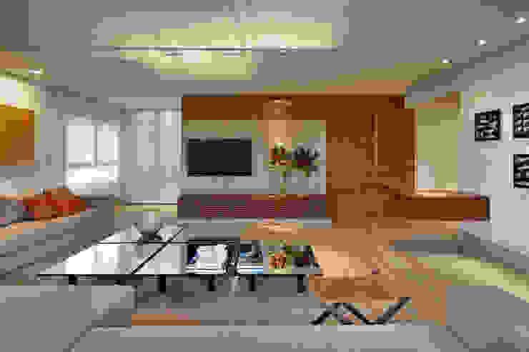 Apartamento Moema Salas multimídia modernas por Luciana Savassi Guimarães arquitetura&interiores Moderno Madeira maciça Multi colorido