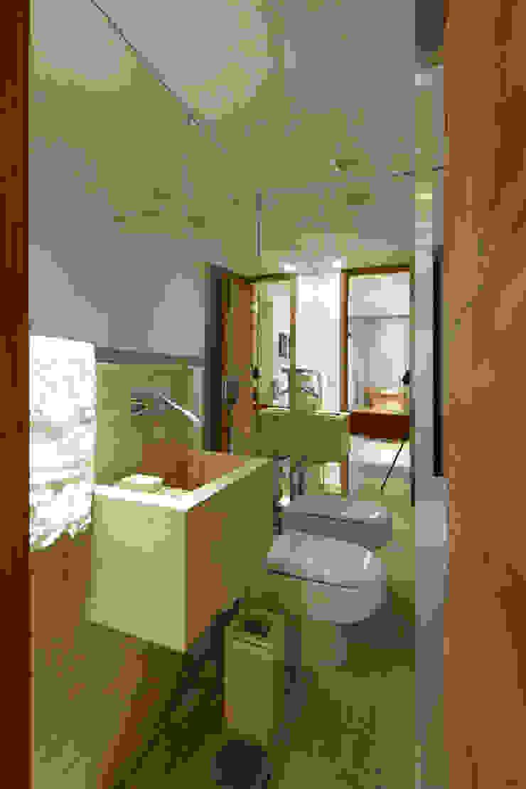 Apartamento Moema Banheiros modernos por Luciana Savassi Guimarães arquitetura&interiores Moderno Mármore