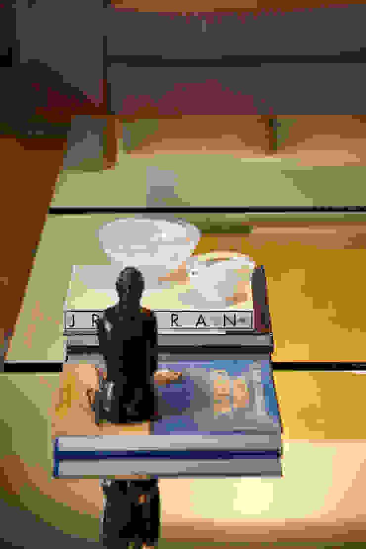 Apartamento Moema Salas de estar modernas por Luciana Savassi Guimarães arquitetura&interiores Moderno Vidro