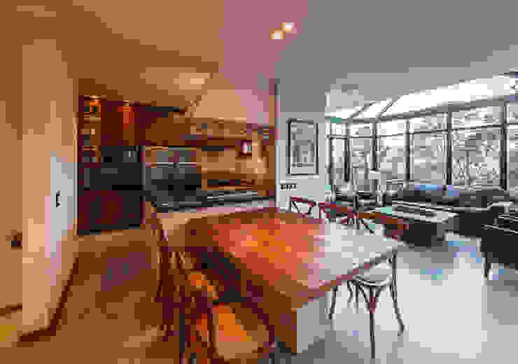 Comedores de estilo  por VNK Arquitetura e Interiores , Rústico
