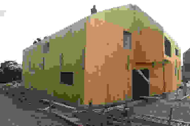 Chantier Maisons modernes par corbacreative sprl Moderne
