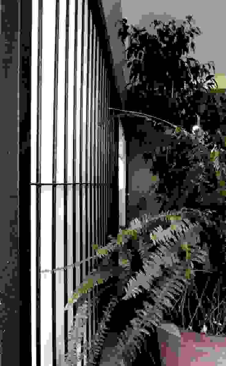 REMODELACION VIVIENDA <q>VDR</q> | VILLA DEL ROSARIO, CBA. Puertas y ventanas modernas de Cabello Jalil Arquitectas Moderno