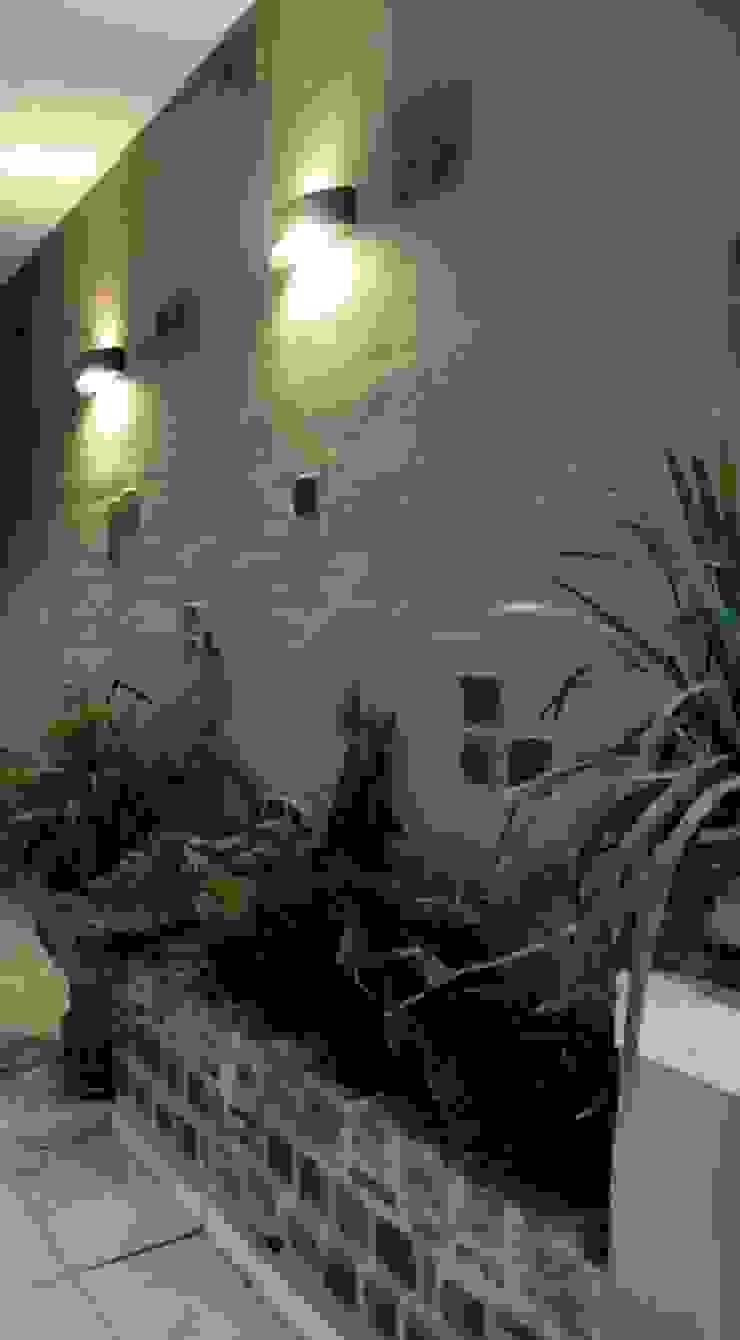 REMODELACION VIVIENDA <q>VDR</q> | VILLA DEL ROSARIO, CBA. Jardines modernos: Ideas, imágenes y decoración de Cabello Jalil Arquitectas Moderno