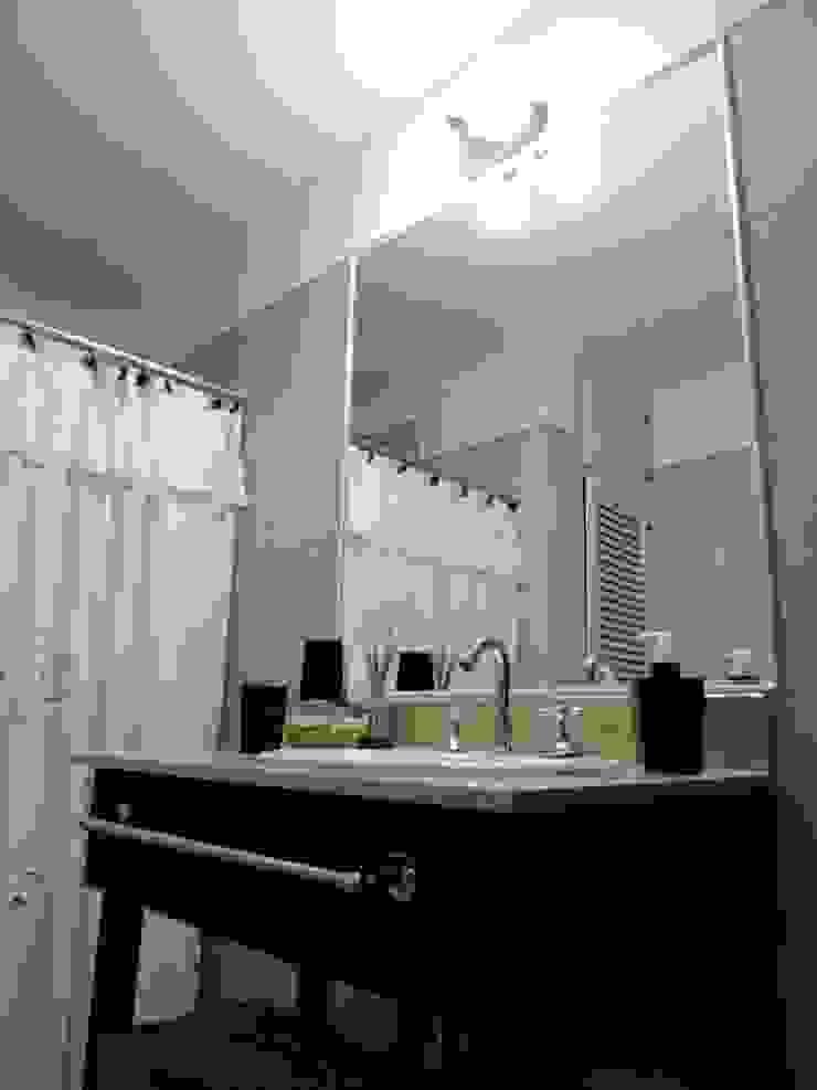 REMODELACION VIVIENDA <q>VDR</q> | VILLA DEL ROSARIO, CBA. Baños modernos de Cabello Jalil Arquitectas Moderno