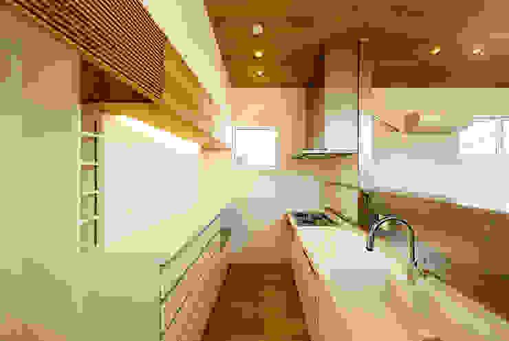 Kitchen by 一級建築士事務所haus,