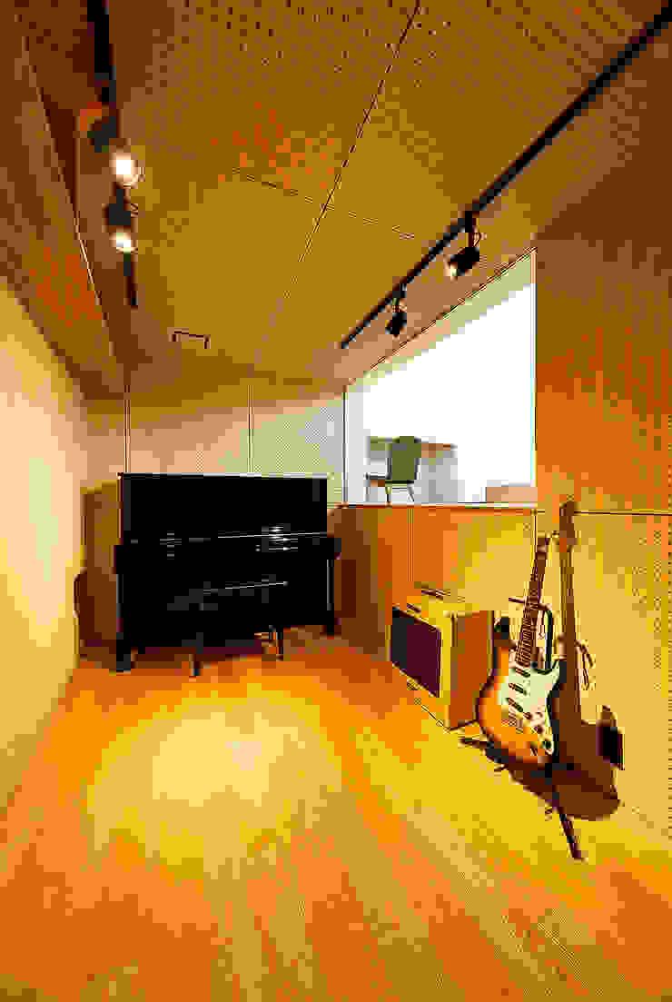haus-note 北欧デザインの 多目的室 の 一級建築士事務所haus 北欧 木 木目調