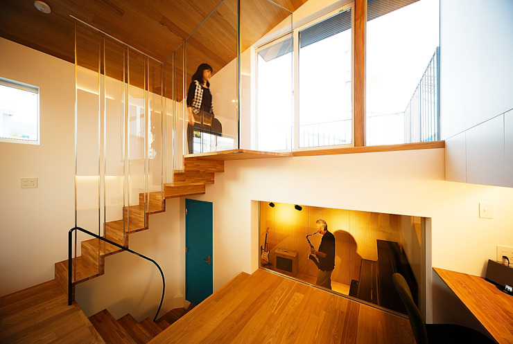 Living room by 一級建築士事務所haus