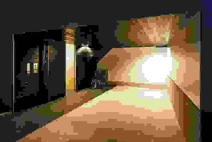 haus-note 北欧デザインの ガレージ・物置 の 一級建築士事務所haus 北欧 木 木目調