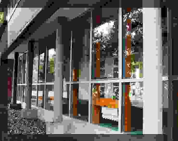 Trabajos realizados Puertas y ventanas modernas de ArquiGlass Moderno