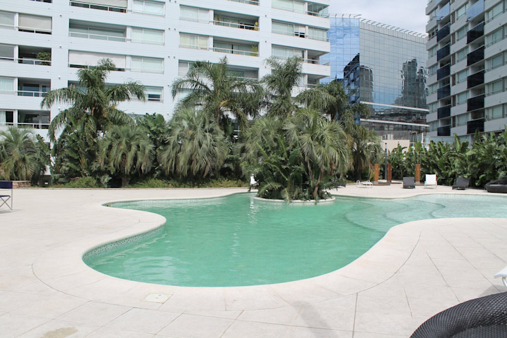 Zencity モダンスタイルの プール の victorialosada モダン