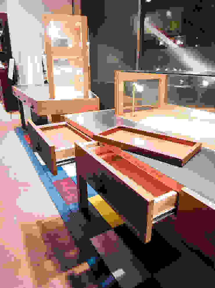 Espacios comerciales de estilo ecléctico de 村松英和デザイン Ecléctico