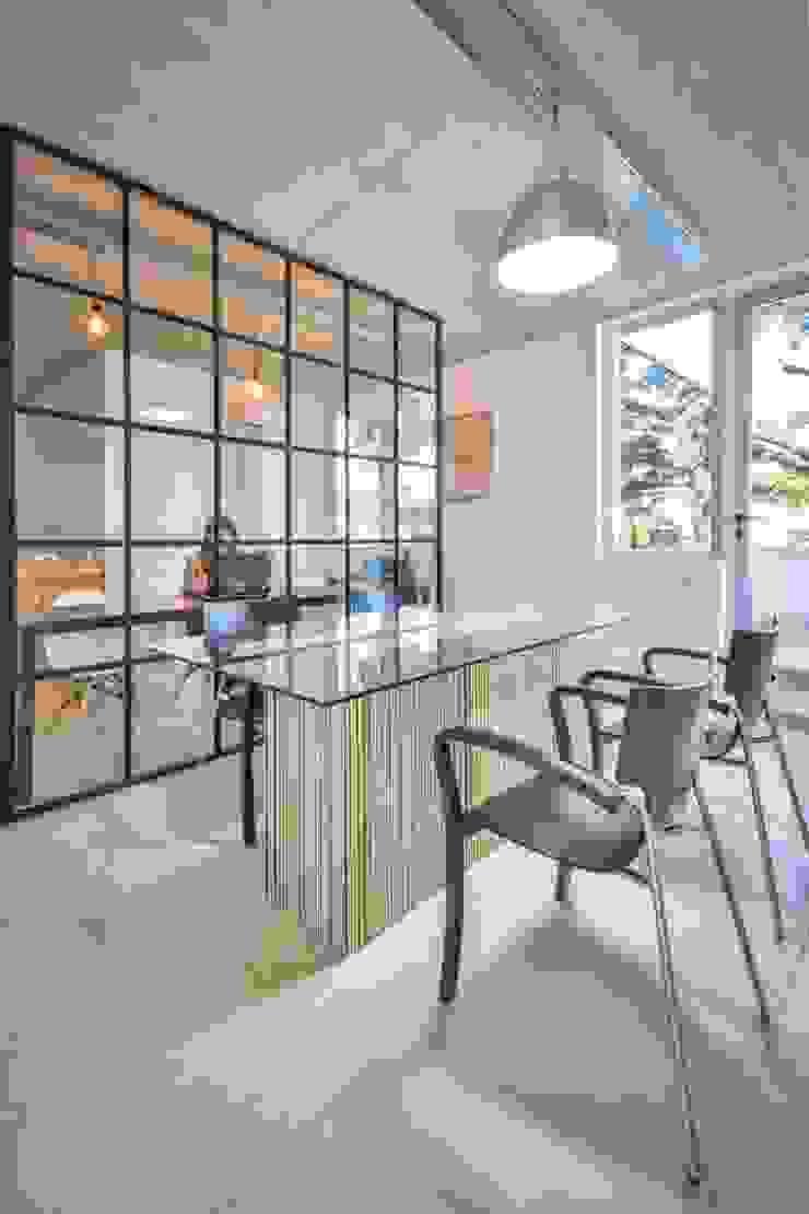 SIETE HABITOS OFICINAS Oficinas y comercios de estilo moderno de HO ARQUITECTOS Moderno
