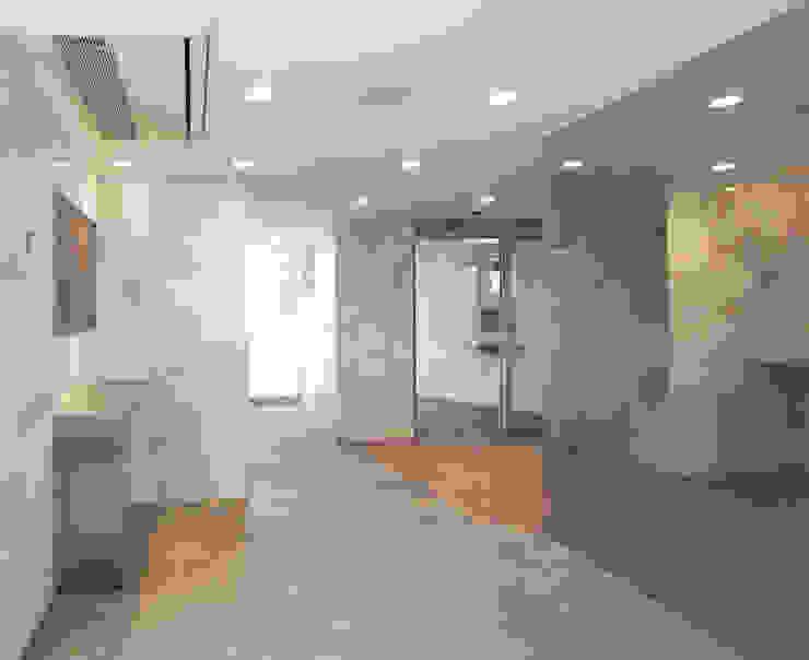 通り抜け通路のある建物 モダンスタイルの 玄関&廊下&階段 の ユミラ建築設計室 モダン