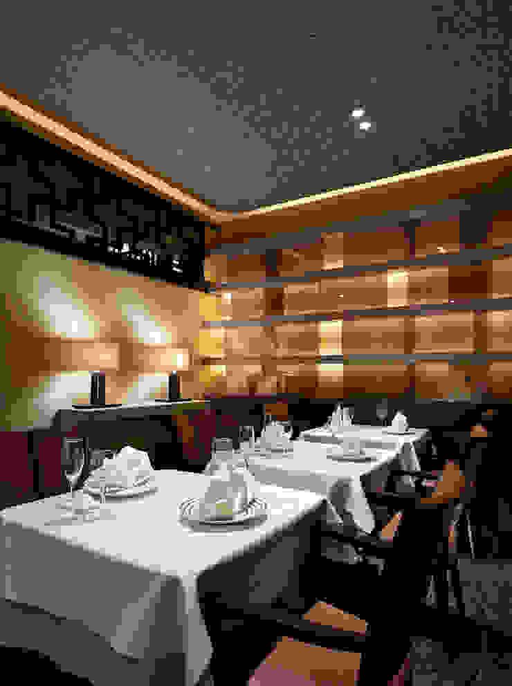 Chinese Restaurant SHAHODEN 和風デザインの 多目的室 の 株式会社オムド 和風 ガラス