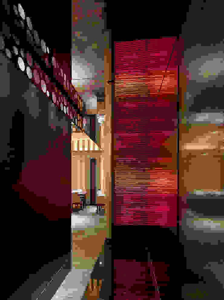 Chinese Restaurant SHAHODEN 和風の 玄関&廊下&階段 の 株式会社オムド 和風 木材・プラスチック複合ボード