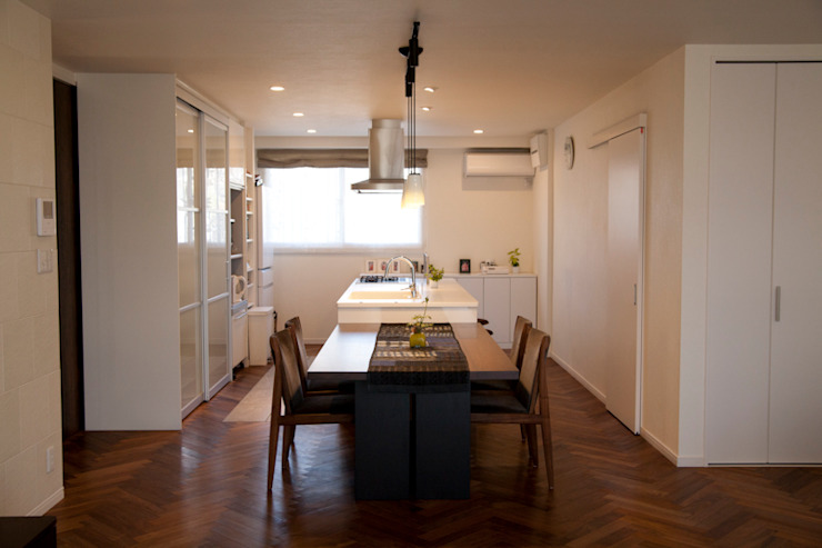 Eclectic style dining room by デザインスタジオ グランキューブ Eclectic