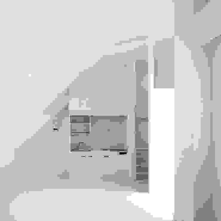 ワンルームマンション2 モダンな キッチン の ユミラ建築設計室 モダン