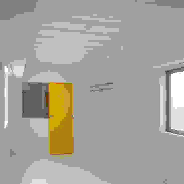 ワンルームマンション2 モダンスタイルの寝室 の ユミラ建築設計室 モダン