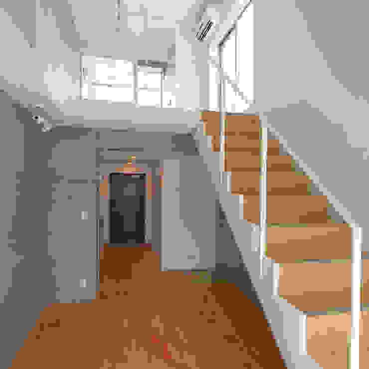 下北沢の賃貸マンション モダンデザインの リビング の ユミラ建築設計室 モダン