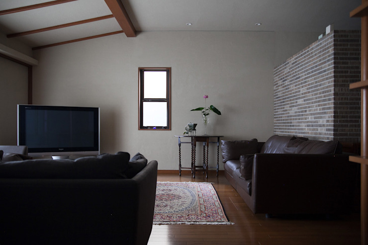 毘沙門の家 オリジナルデザインの リビング の 村松英和デザイン オリジナル