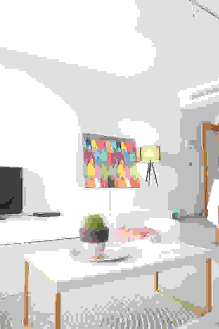 dar amïna Living roomTV stands & cabinets