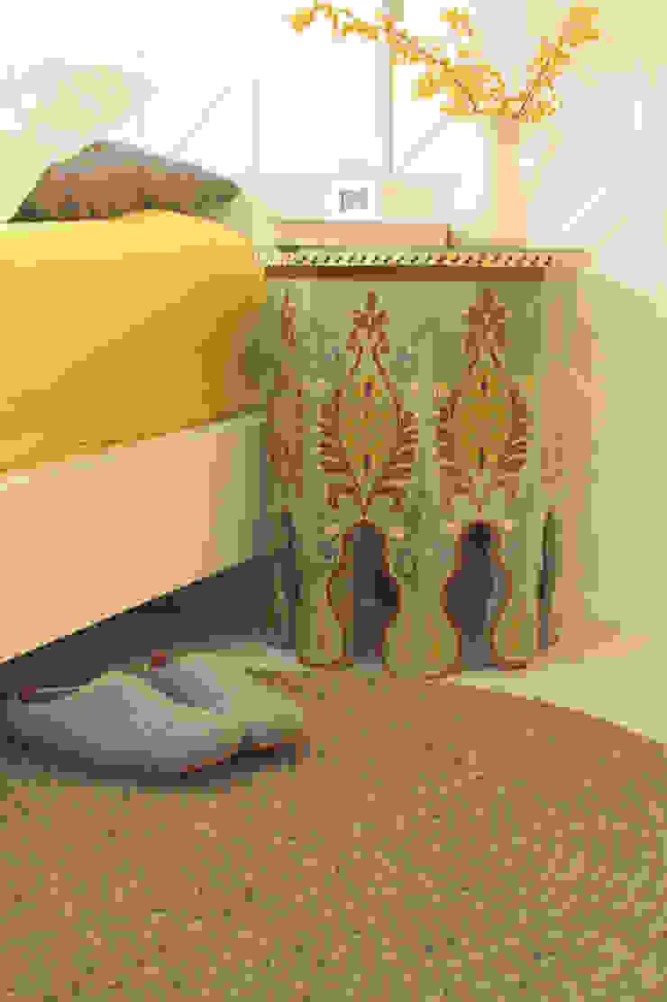 dar amïna BedroomBedside tables