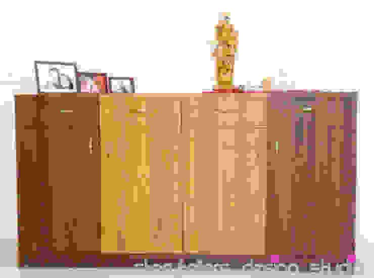 Flat Interiors Modern living room by Storytellers Design Studio Modern