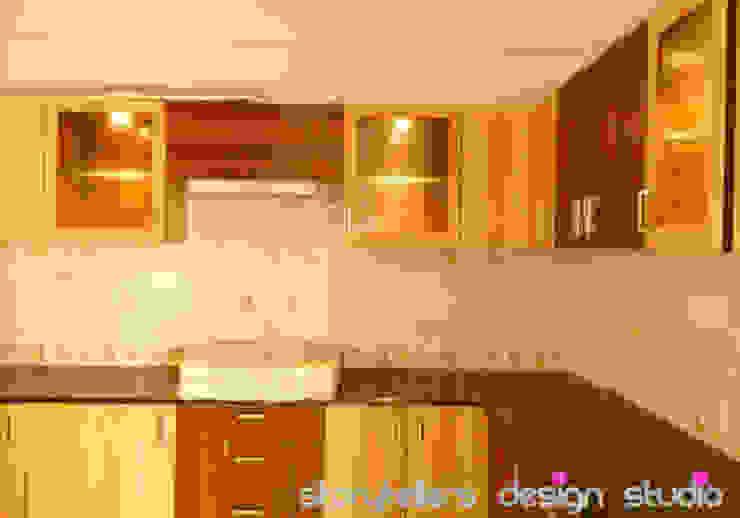 Flat Interiors Modern kitchen by Storytellers Design Studio Modern
