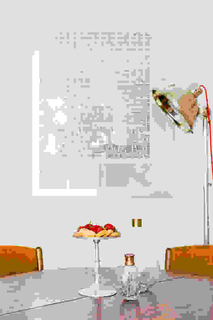 Our photoshoot of apartment design by D Plus Dagmara Zawadzka Nowoczesna jadalnia od Ayuko Studio Nowoczesny