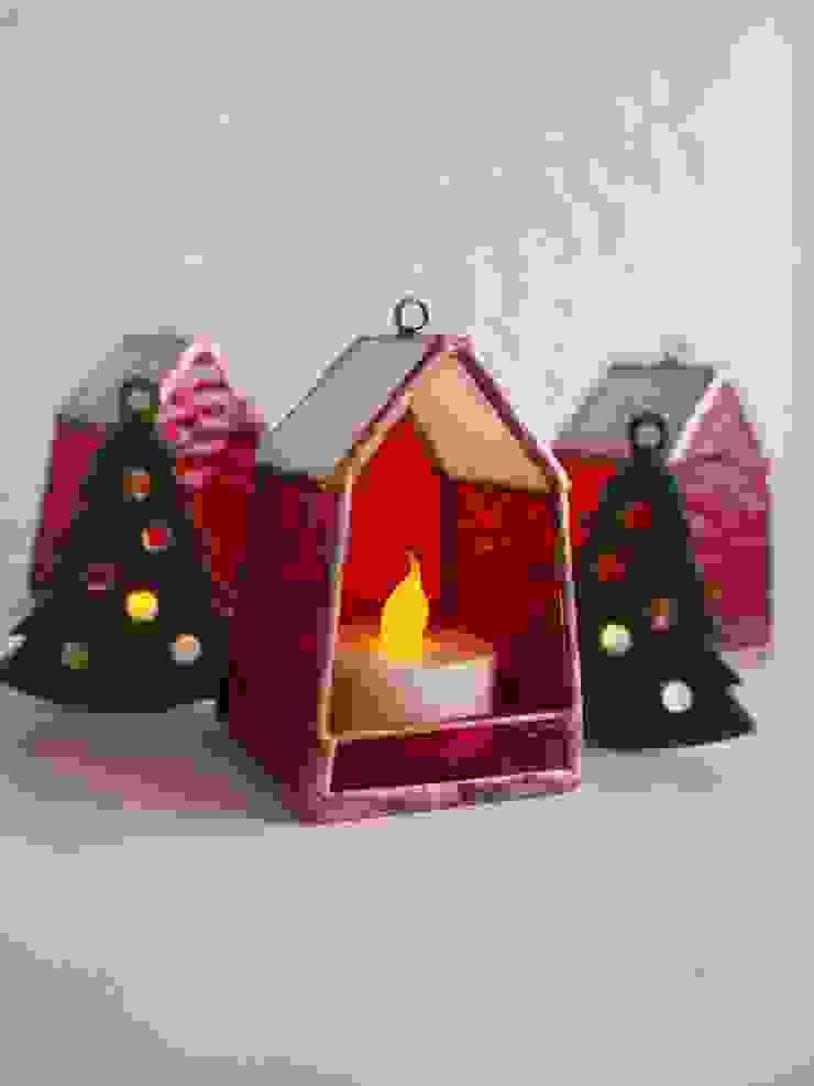 クリスマスカラーバージョン: ステンドグラス アトリエ ダブルオウエイトが手掛けたスカンジナビアです。,北欧 ガラス