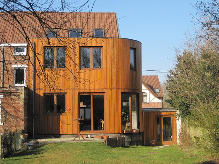 Eclectic style houses by Bureau d'Architectes Desmedt Purnelle Eclectic Wood Wood effect