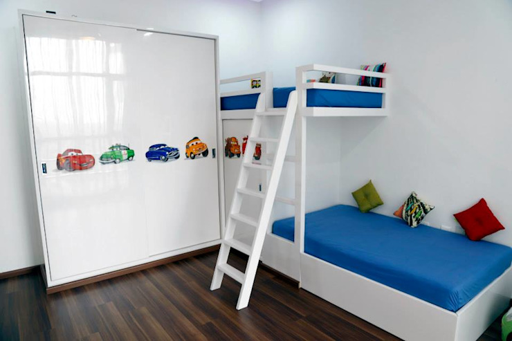 Mr.Reddy Residence Modern nursery/kids room by Uber space Modern