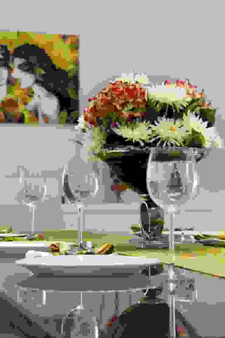 Mr.Reddy Residence Modern dining room by Uber space Modern