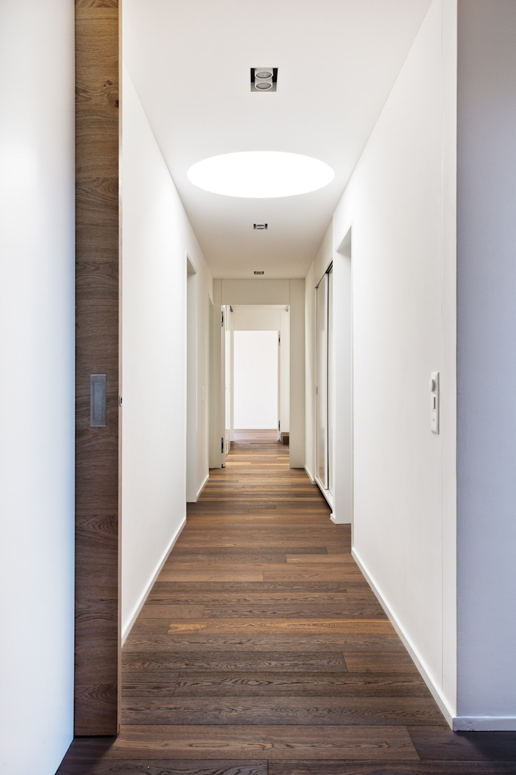 Giesser Architektur + Planung Country style corridor, hallway & stairs