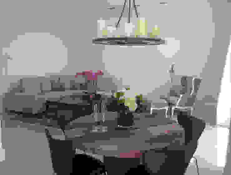 Rénovation contemporaines Salle à manger moderne par Amber-Design Moderne